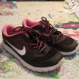 Girls Size 2Y Nike Sneakers